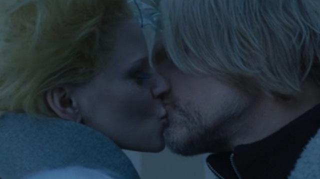 Điểm lại những nụ hôn ngẫu hứng trên màn ảnh - 4
