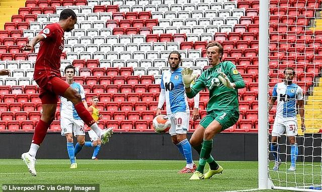 Thắng Blackburn 6-0, Liverpool sẵn sàng giành chức vô địch Premier League - 10