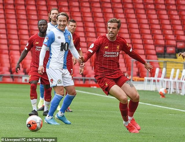 Thắng Blackburn 6-0, Liverpool sẵn sàng giành chức vô địch Premier League - 11