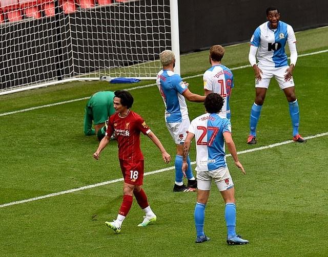 Thắng Blackburn 6-0, Liverpool sẵn sàng giành chức vô địch Premier League - 5