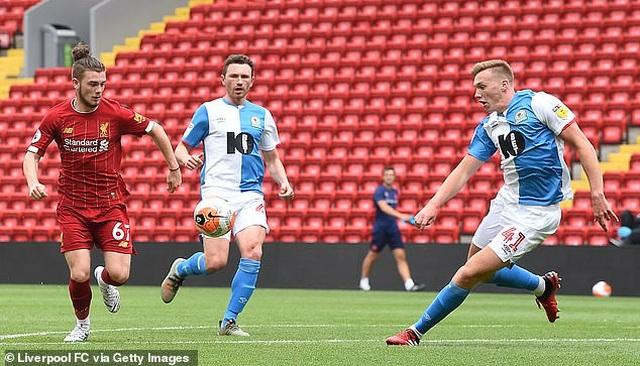 Thắng Blackburn 6-0, Liverpool sẵn sàng giành chức vô địch Premier League - 8