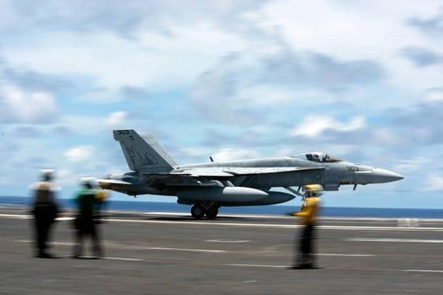 """Ba tàu sân bay Mỹ phô diễn sức mạnh ở Thái Bình Dương, """"nắn gân"""" Trung Quốc - 2"""