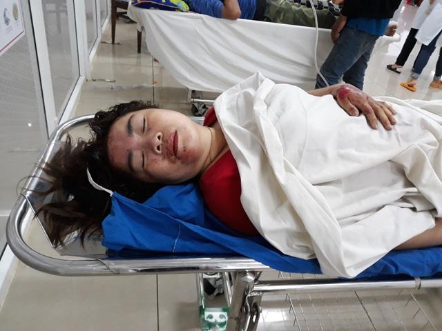 Vụ tai nạn 5 người tử vong: Bé gái thoát chết nhờ chạy đi mua bút - 1