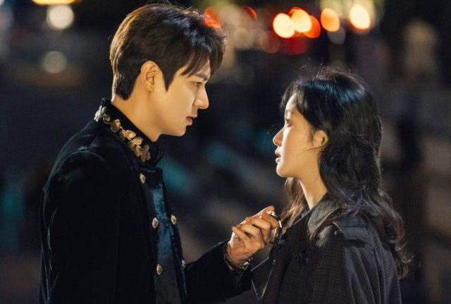 """""""Quân vương bất diệt"""" kết thúc với nụ hôn ngọt của Lee Min Ho và Kim Go Eun - 2"""
