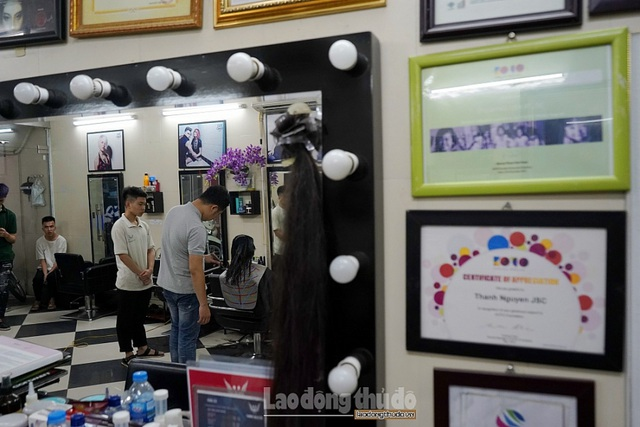 Tiệm cắt tóc không lời ở Hà Nội - 12
