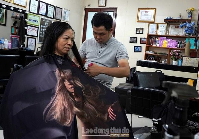 Tiệm cắt tóc không lời ở Hà Nội - 3