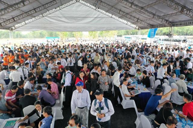 BĐS Long Thành bùng nổ với hơn 1500 khách đến tham quan dự án Gem Sky World - 1