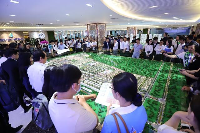 BĐS Long Thành bùng nổ với hơn 1500 khách đến tham quan dự án Gem Sky World - 2
