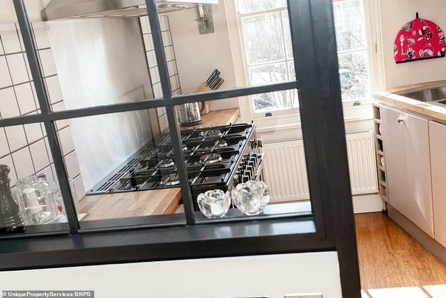 Nhà mỏng nhất London gây sốc khi được rao bán với giá hơn 55 tỷ đồng - 5