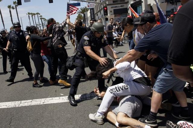 Ông Putin lần đầu lên tiếng về làn sóng biểu tình ở Mỹ - 2