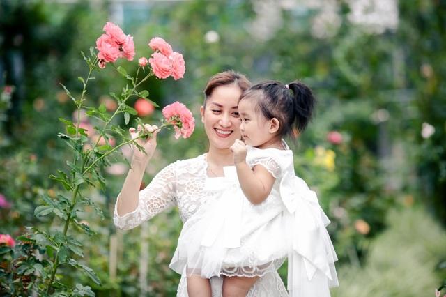 Khánh Thi xúc động kể lại chuyện con gái sinh non - 8