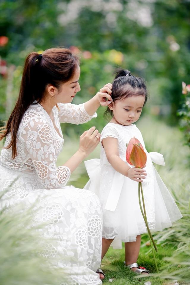 Khánh Thi xúc động kể lại chuyện con gái sinh non - 7