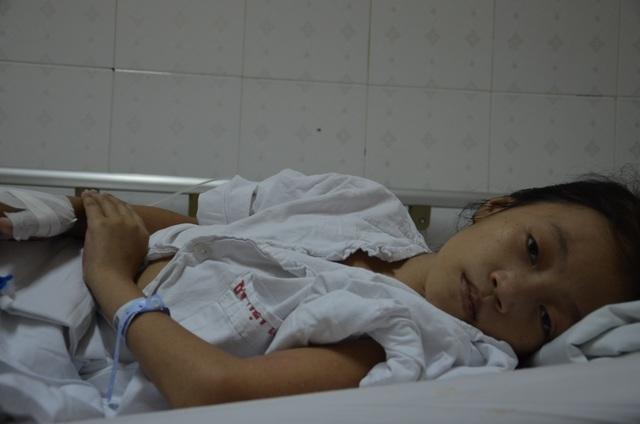 Thương bé gái 12 tuổi tính mạng vô cùng mong manh - 1
