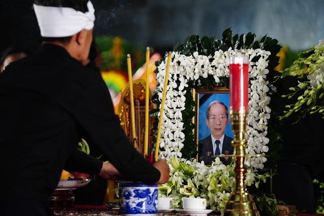 Lãnh đạo Đảng, Nhà nước viếng nhà tình báo huyền thoại Trần Quốc Hương - Ảnh minh hoạ 4