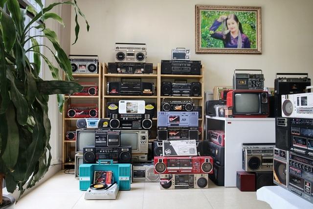 Choáng ngợp bộ sưu tập 1.200 chiếc đài cassette độc nhất vô nhị Việt Nam - 2