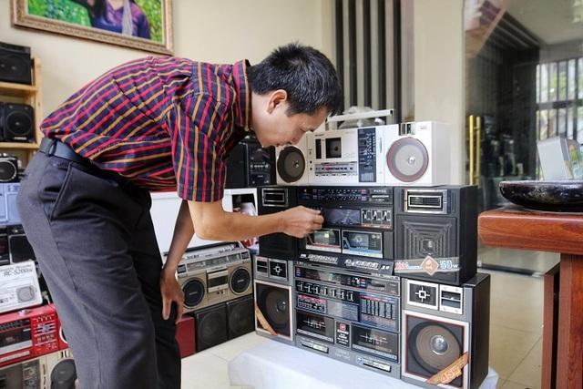 Choáng ngợp bộ sưu tập 1.200 chiếc đài cassette độc nhất vô nhị Việt Nam - 9
