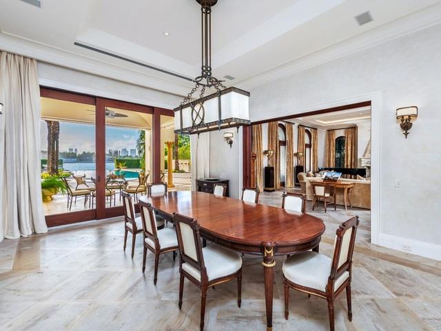Bên trong dinh thự 40 triệu USD được bảo vệ 24/7 tại đảo nhà giàu ở Mỹ - 3