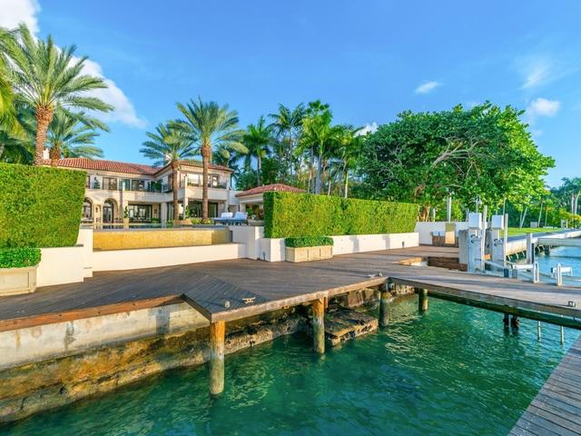 Bên trong dinh thự 40 triệu USD được bảo vệ 24/7 tại đảo nhà giàu ở Mỹ - 14