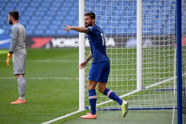 Pulisic trở lại sau 6 tháng, Chelsea thắng 7 bàn trước QPR - 2