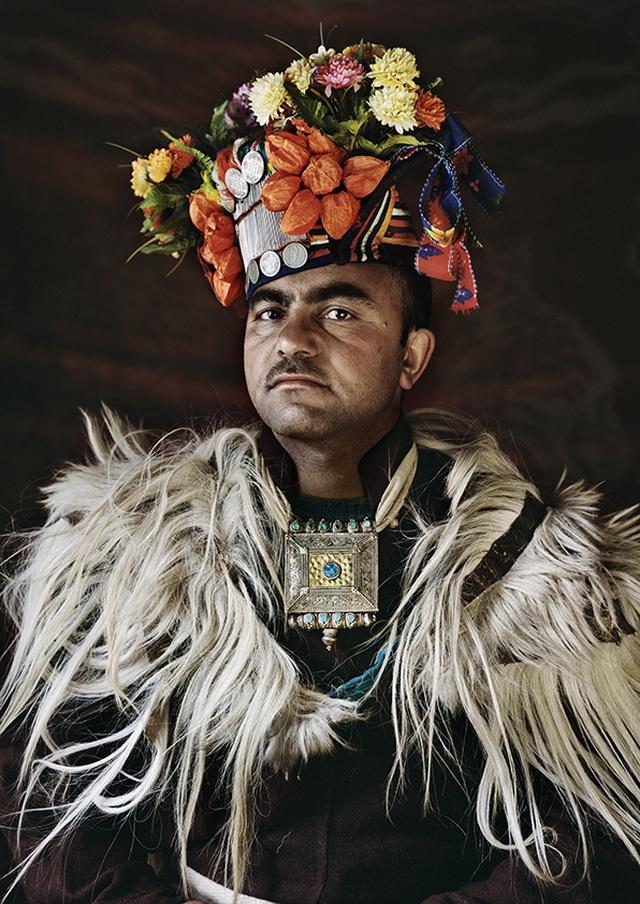 Kỳ lạ cuộc sống của bộ lạc có tập tục hôn nhau thoải mái, trao đổi vợ tự do - 3