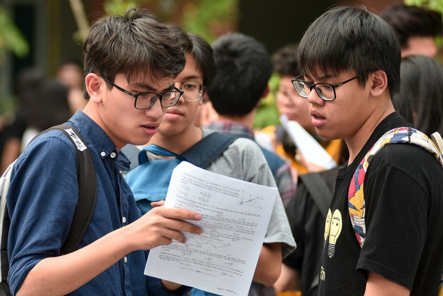 Hôm nay 15/6, nộp hồ sơ đăng ký dự thi tốt nghiệp và xét tuyển đại học 2020 - 1