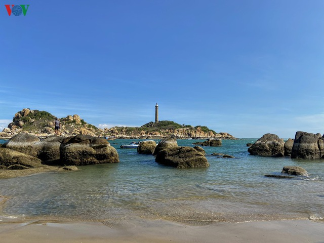 Đến Kê Gà ngắm hải đăng hoàng hôn và ….đi bộ trên biển - 1