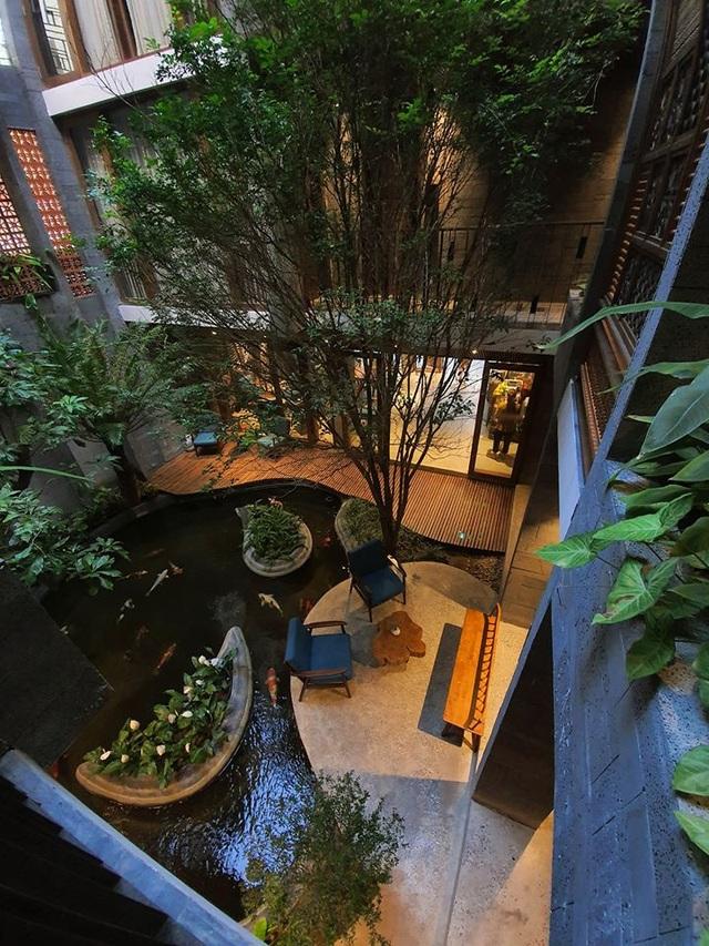"""Tòa nhà ở Đà Nẵng """"ẩn giấu"""" cả khu vườn nhiệt đới tuyệt đẹp bên trong - 10"""