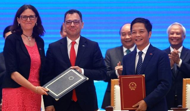 Việt Nam có thể vượt Trung Quốc trở thành công xưởng thế giới nhờ EVFTA? - 1