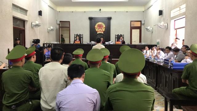 Bố nữ sinh giao gà ở Điện Biên đề nghị làm rõ cái thai trong bụng con gái - 1