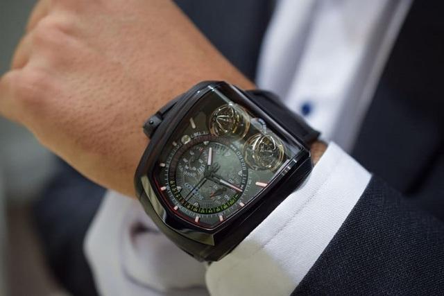 Chiếc đồng hồ dành cho chủ xe Bugatti Chiron có giá bằng 5 chiếc S-Class - 6