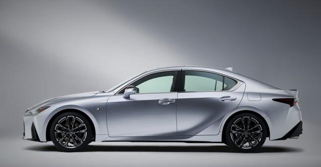 Lexus IS phiên bản nâng cấp 2021 có gì khác xe đời cũ? - 4