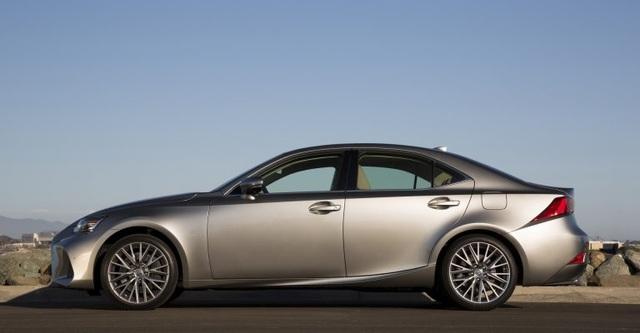 Lexus IS phiên bản nâng cấp 2021 có gì khác xe đời cũ? - 5