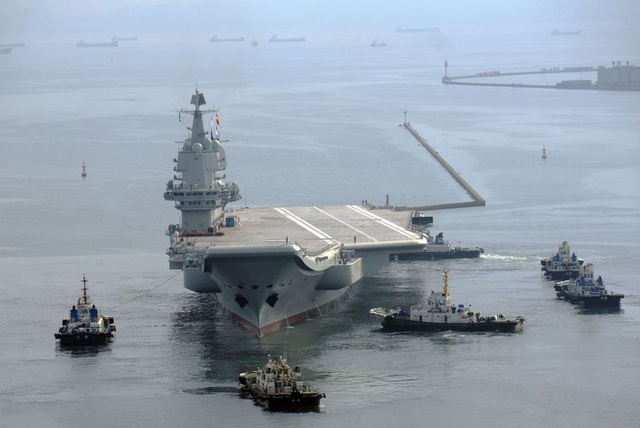 Tàu sân bay đóng dở của Trung Quốc biến mất bí ẩn - 1