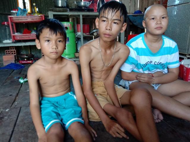 Xót xa cảnh gia đình khánh kiệt vì 3 đứa con  cùng lúc mắc bệnh hiểm nghèo - 1