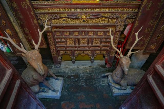 """Nhà cổ gỗ lim chứa toàn """"báu vật"""" độc nhất của dòng họ nức tiếng Hà Thành - 11"""