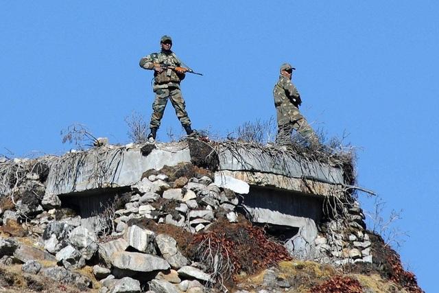 Bloomberg: Ấn Độ đưa thêm 35.000 quân đến dọc biên giới với Trung Quốc - 1