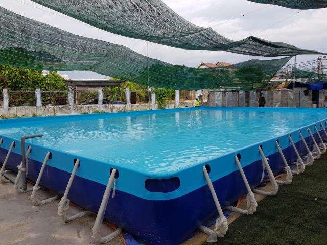 Thầy giáo đầu tư hồ bơi cho học sinh vùng ven học bơi dịp hè - 3