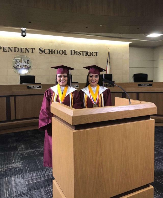 Mỹ: Chị em sinh đôi tốt nghiệp thủ khoa và á khoa tại cùng trường trung học - 3