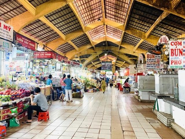 Chợ Bến Thành vẫn đìu hiu mong khách du lịch - 1