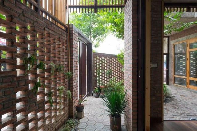 Báo Tây sửng sốt với những căn nhà gạch mộc nhưng vẫn đẹp mê ở Việt Nam - 10
