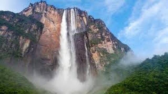 Thác nước cao nhất thế giới, nước chưa chạm đáy đã bốc hơi - 2