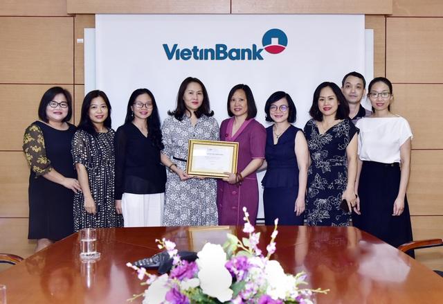 """VietinBank nhận giải """"Ngân hàng phát hành tốt nhất khu vực Đông Á - Thái Bình Dương 2019"""" - 1"""