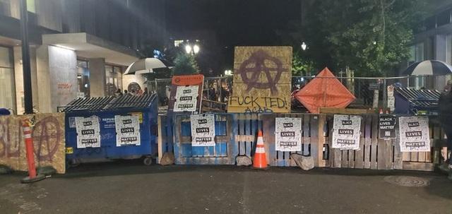 Người biểu tình Mỹ vây quanh nhà thị trưởng, tính lập khu tự quản mới - 2