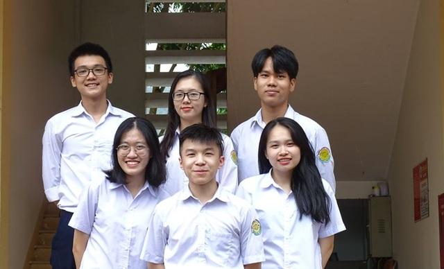 Lào Cai: 7 học sinh giành được hơn 20 tỷ đồng học bổng trường ĐH danh tiếng - 1