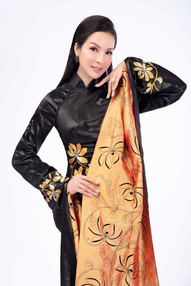 Mắc kẹt tại Trung Đông huyền bí, MC Thanh Mai khoe áo dài, nhớ café Việt - 10