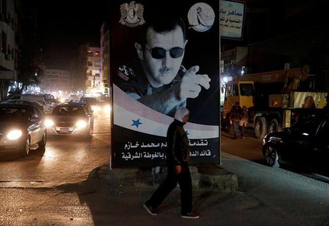 Mỹ trừng phạt Syria chưa từng thấy, ông Assad bị vây ép - 1
