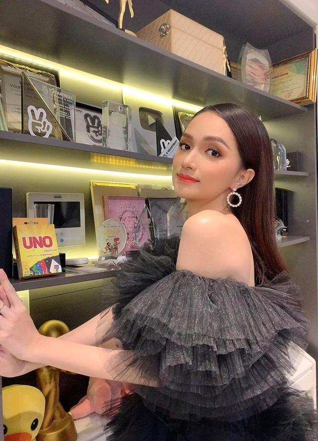 Khối tài sản đáng ngưỡng mộ của Hoa hậu Hương Giang ở tuổi 29 - 17