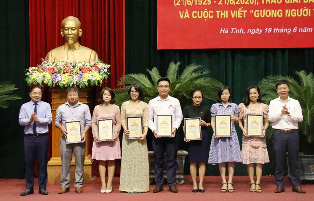 Phóng viên Dân trí đoạt nhiều giải báo chí tại Hà Tĩnh - 4