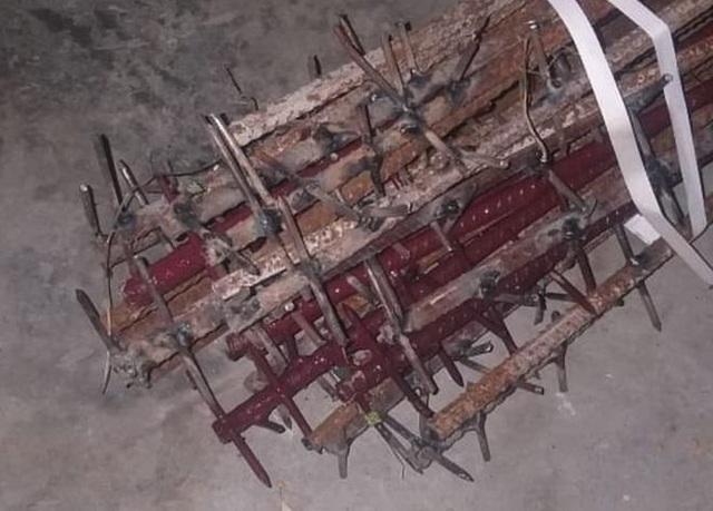 Ảnh nghi là gậy sắt hàn đinh Trung Quốc dùng trong ẩu đả với Ấn Độ