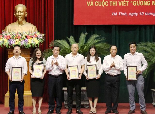Phóng viên Dân trí đoạt nhiều giải báo chí tại Hà Tĩnh - 3